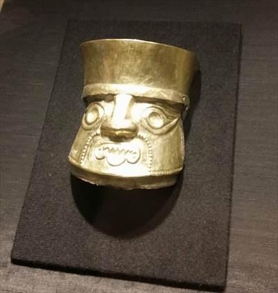 黄金マスク